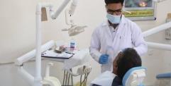 المحافظ يزور المركز التعليمي لعيادات طب الاسنان في جامعة الكوفة ويشيد بالخدمات المقدمة للمواطنين