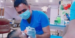محافظ  النجف يكرم الكادر الطبي في مستشفى الفرات الاوسط لدورهم لانقاذ حياة الطفلة فاطمة من الموت