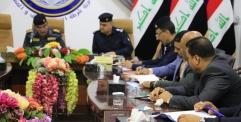 قائد شرطة النجف يعقد اجتماعا لمناقشة حماية المواطنين من الجرائم وإلقاء القبض على مرتكبيها