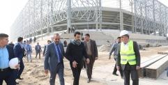 المحافظ ووزير الشباب والرياضة يتفقدان مشروع ملعب النجف الأولمبي