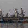 تقرير.. العراق قد يخفق في خفض إنتاج النفط