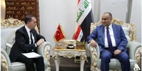 وزير عراقي يصفع مسؤولا تركيا كبيراً في بغداد